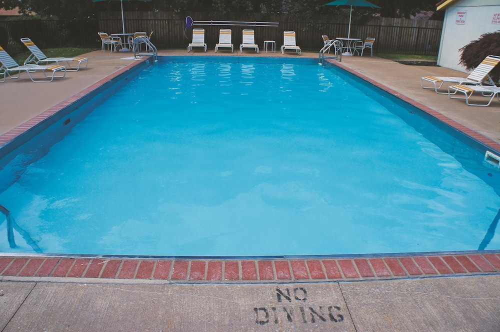 Pool 2 of 14