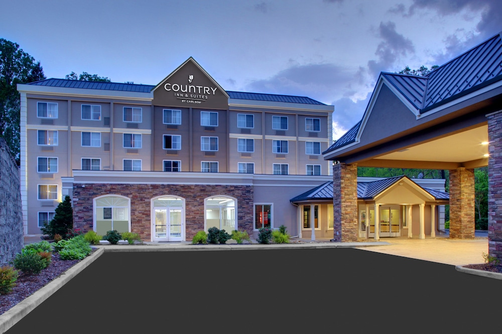 Country Inn & Suites by Radisson, Asheville Downtown Tunnel Road (Bilt