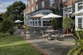 Photo for Best Western Welwyn Garden City Homestead Court Hotel in Welwyn Garden City