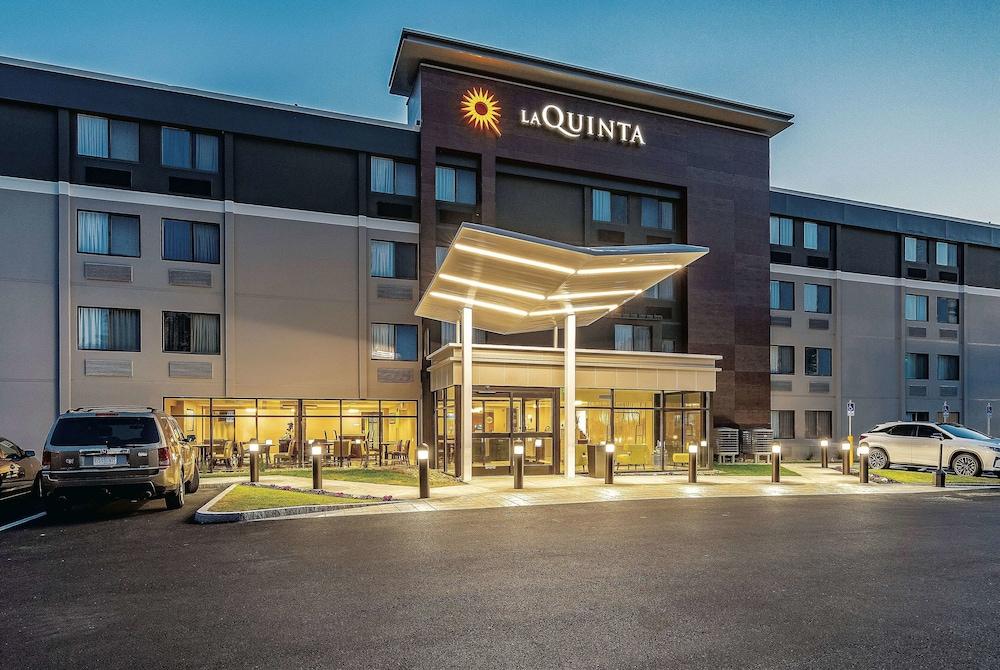 La Quinta Inn & Suites by Wyndham Salem NH