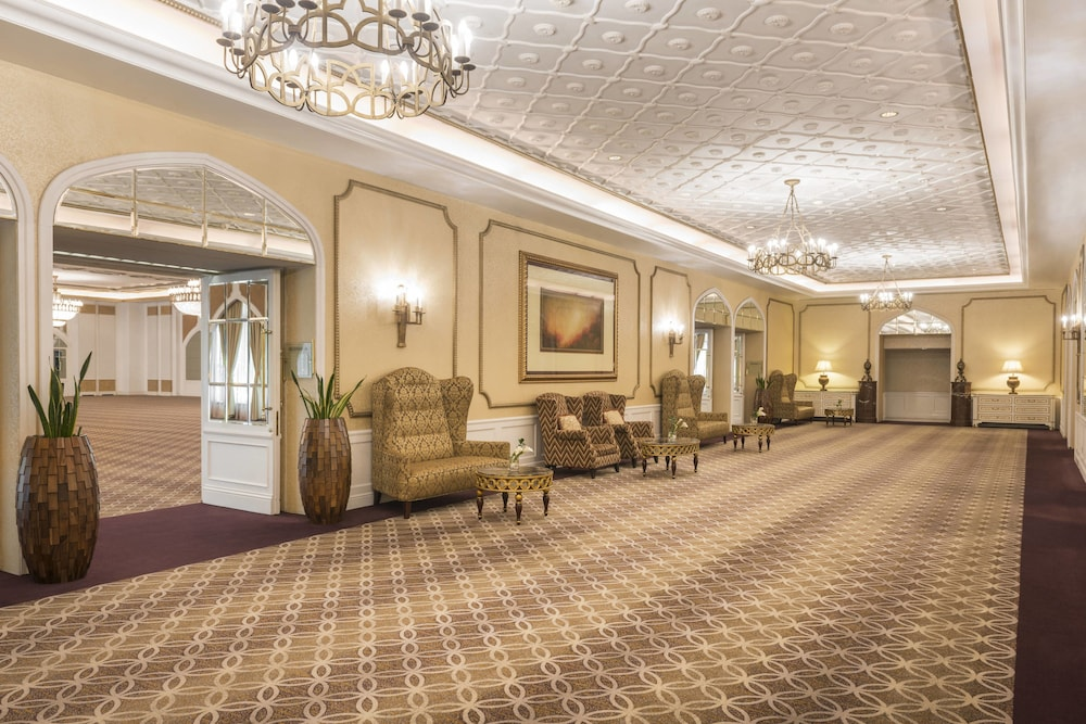 Sheraton Abu Dhabi Hotel Resort Abu Dhabi Hotel Price
