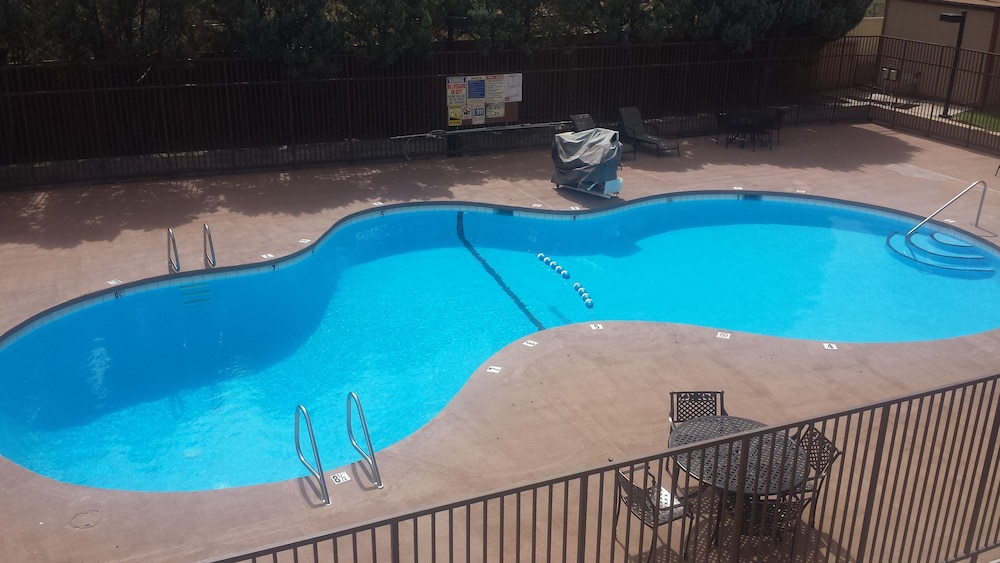 Pool 4 of 34