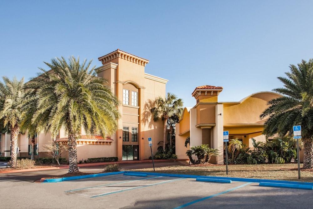 Ramada Hotel & Conf Cntr by Wyndham Jacksonville/Baymeadows