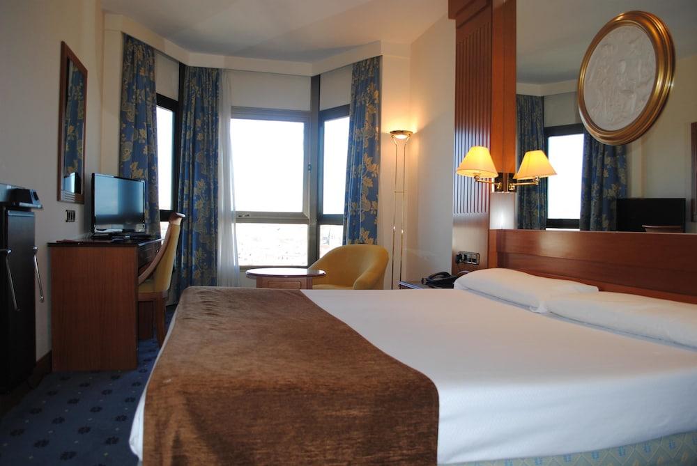 Hotel Los Bracos Managed by Silken