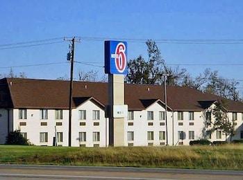 Motel 6 Metropolis