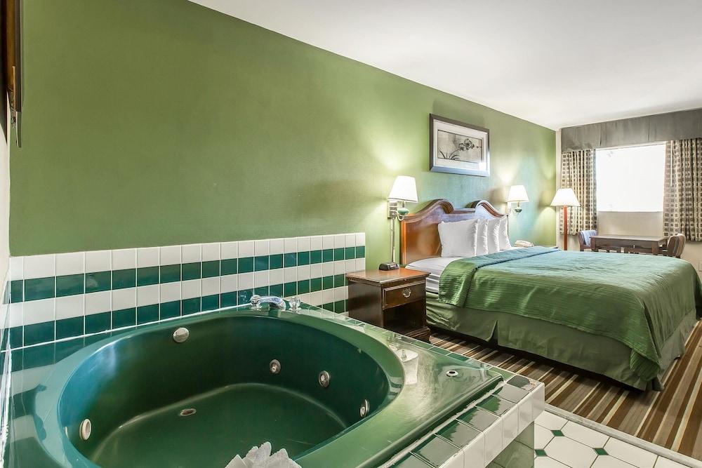 Quality Inn & Suites Macon North