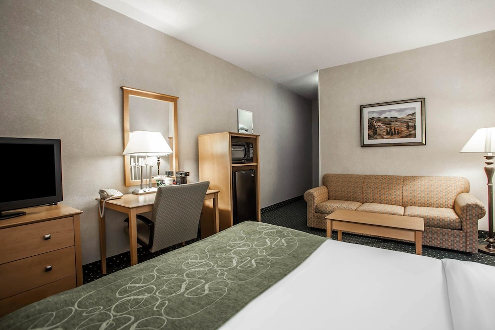 Comfort Suites Peoria I-74, Peoria Hotel Price, Address & Reviews