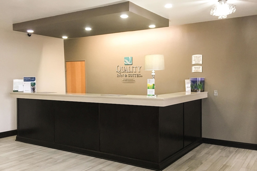 Quality Inn & Suites Lincoln near I-55