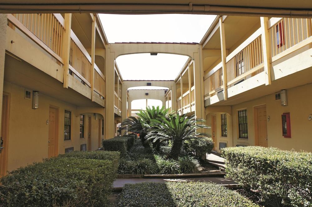 Hotel 1 Of 41