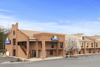 Days Inn by Wyndham Farmville in Farmville, Virginia