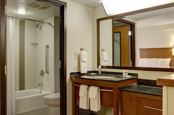 Hyatt Place Kansas City/Overland Park/Metcalf - Bathroom  - #0