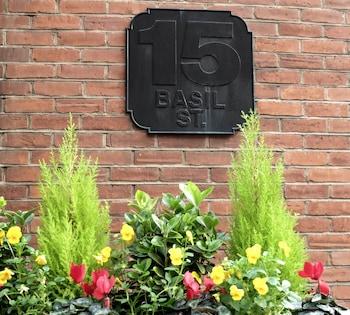 Basil Street Apartments