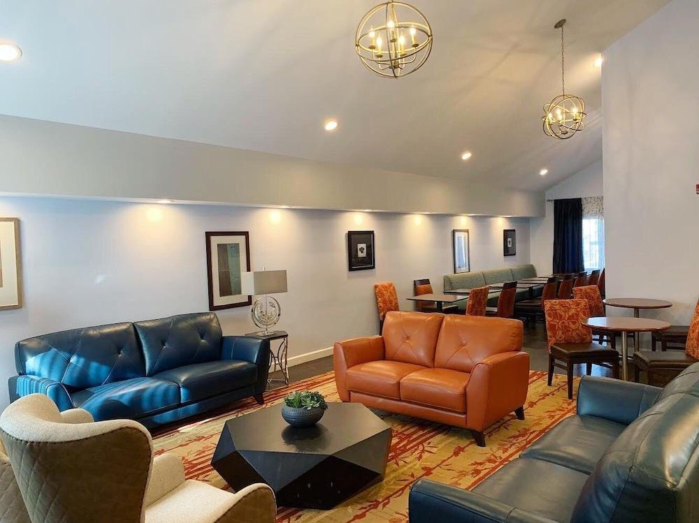 Hawthorn Suites by Wyndham Vienna/Tysons Corner