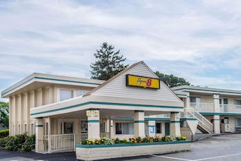 Super 8 by Wyndham W Yarmouth Hyannis/Cape Cod in West Yarmouth, Massachusetts