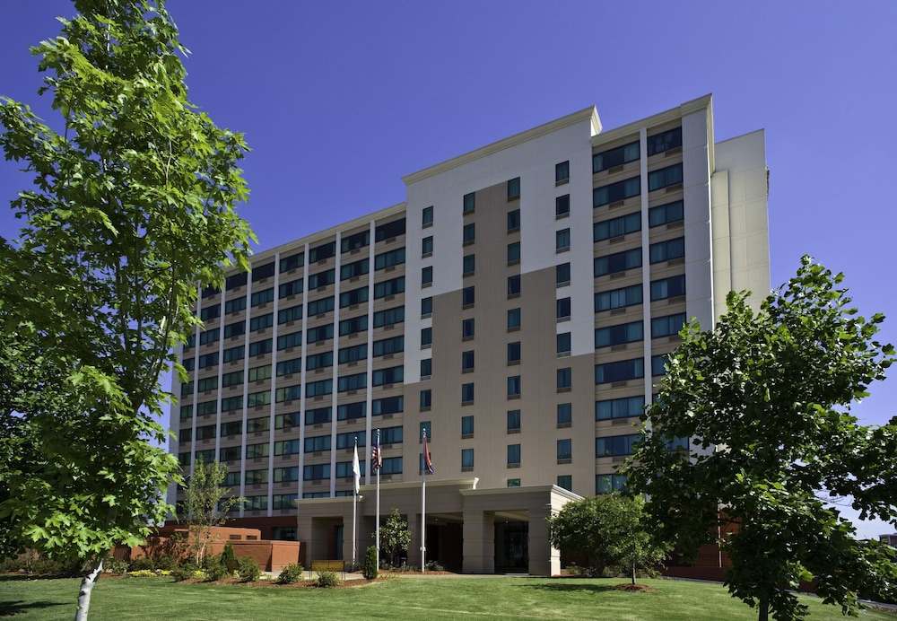 Crowne Plaza Memphis Downtown Hotel