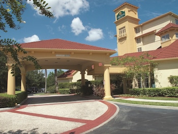 Pet Friendly Hotels near Orlando Speedworld in Orlando from $84/night