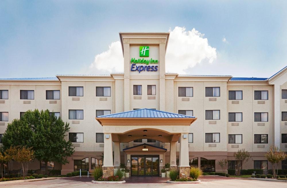 Holiday Inn Express Hotel & Suites Fort Worth Southwest I-20