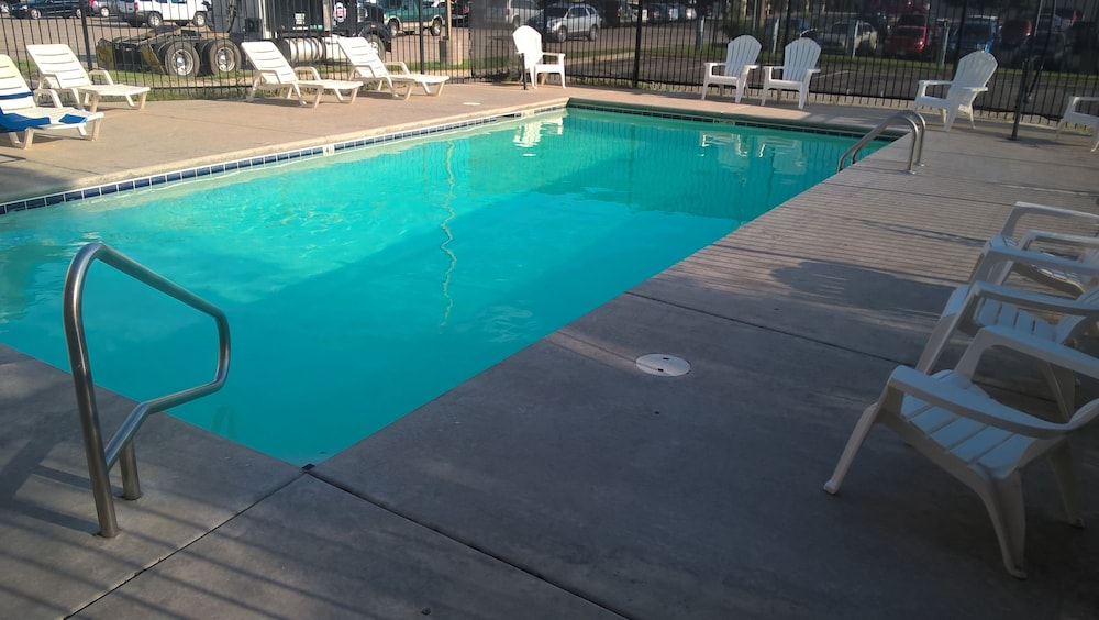 Pool 1 of 43