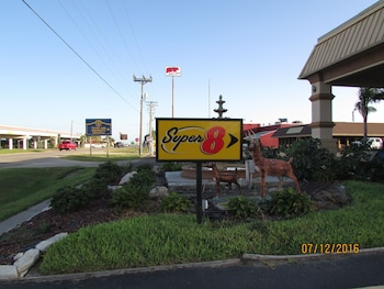 Super 8 by Wyndham Kingsville in Kingsville, Texas