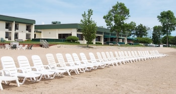Photo for Tawas Bay Beach Resort in East Tawas, Michigan