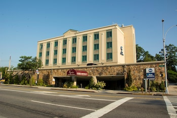 Best Western Queens Gold Coast in Bayside, New York