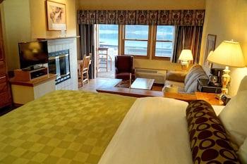 The Pines Resort in Bass Lake, California