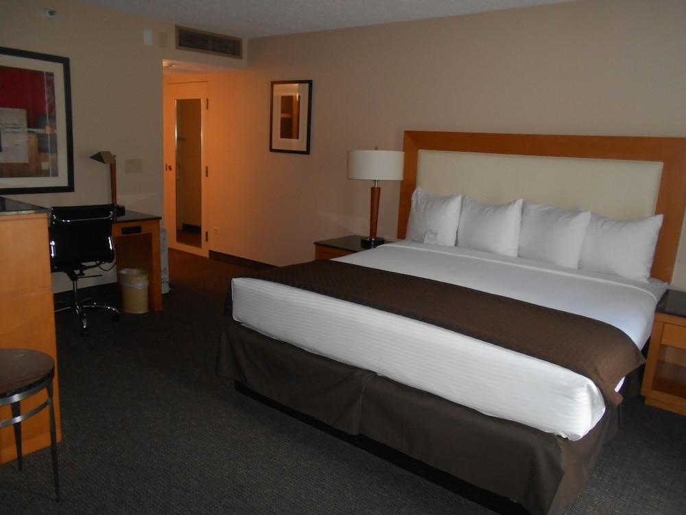 The Governor, a Coast Hotel