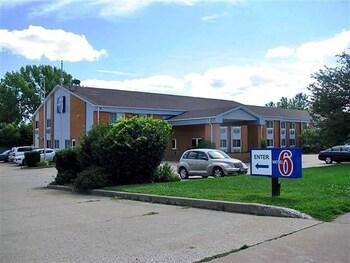Motel 6 Davenport, IA
