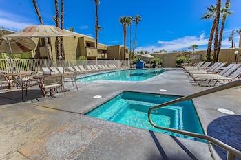 Desert Vacation Villas, a VRI resort