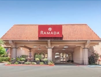 Ramada by Wyndham Fresno North in Fresno, California