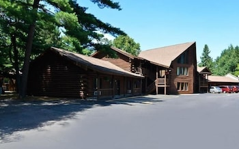Centerstone Resort Lake-Aire in Tomahawk, Wisconsin