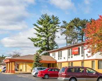 Econo Lodge Inn And Suites in Stevens Point, Wisconsin