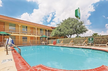 La Quinta Inn Dallas Uptown - Pool  - #0