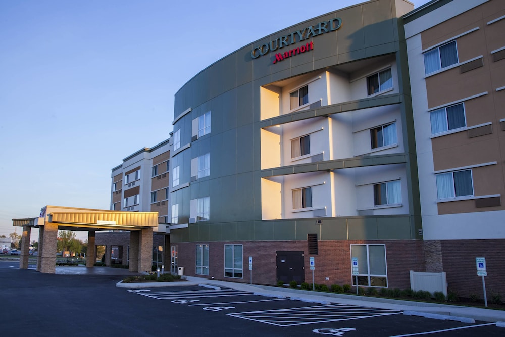 Courtyard by Marriott St. Louis St. Peters