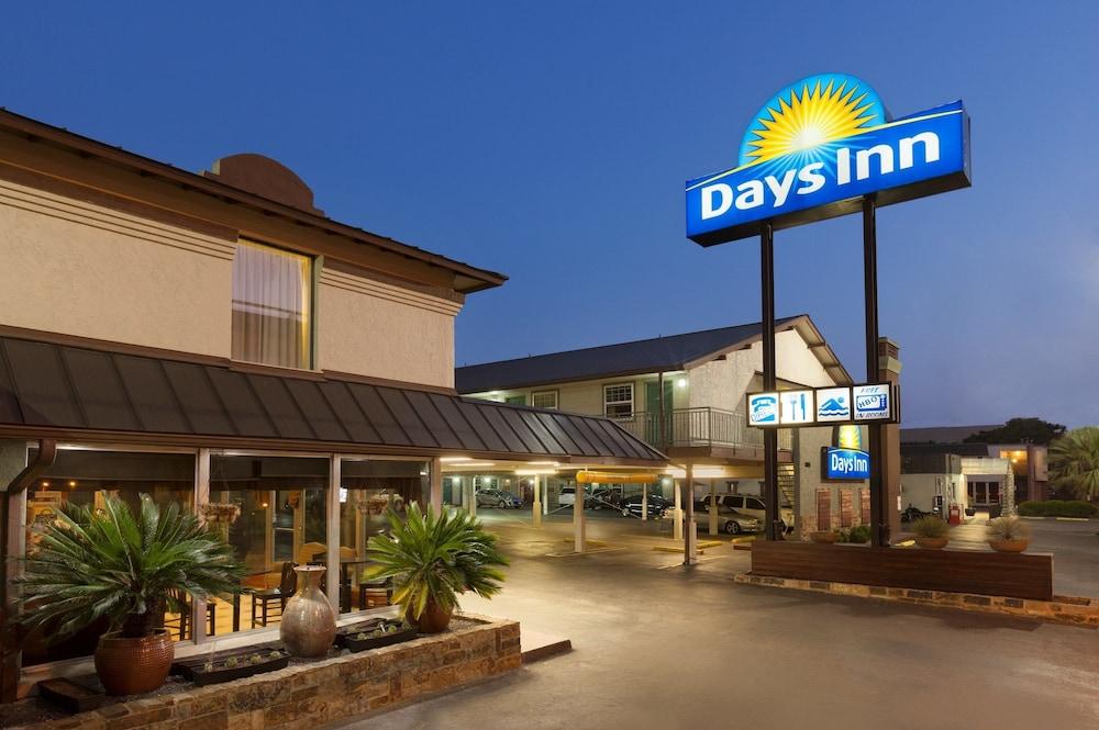 Days Inn by Wyndham Austin/University/Downtown