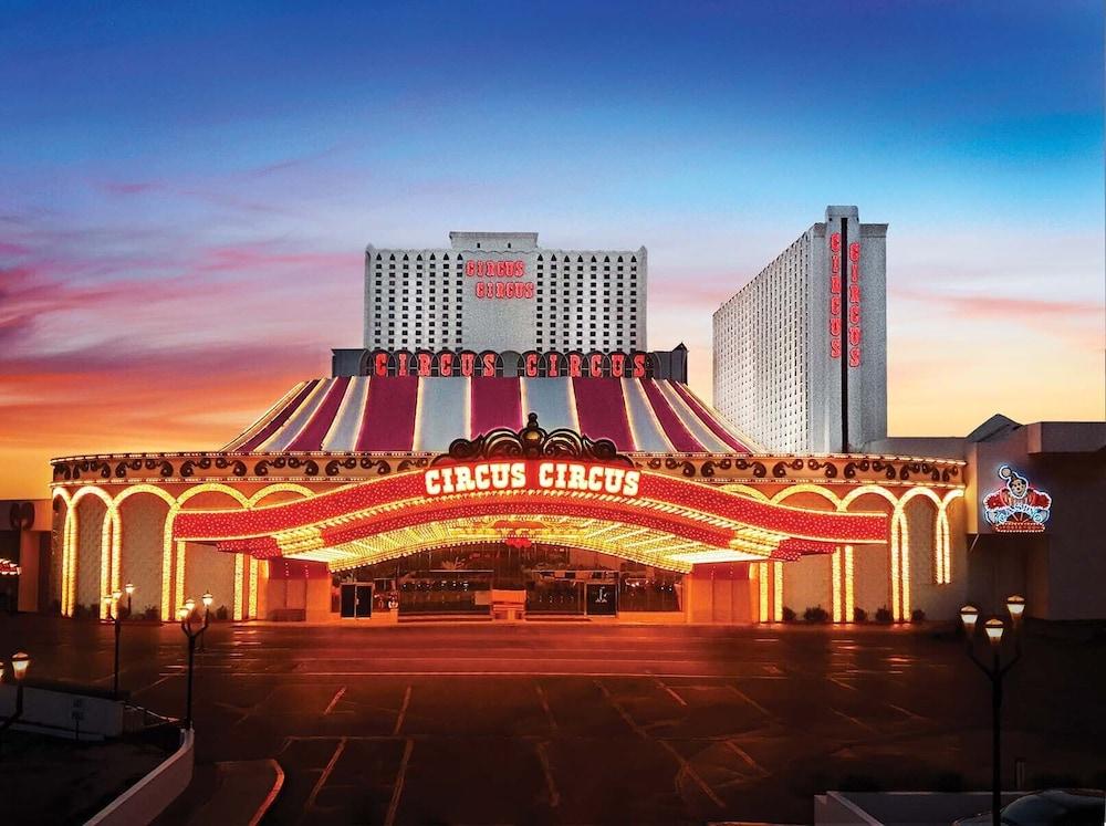 121 s casino center blvd 89101 warriors game 2 stats