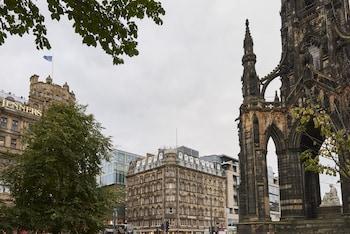 Photo for Old Waverley Hotel in Edinburgh