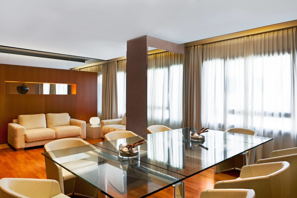 Four Points By Sheraton Padova Padova At Inr 8388 Off 8388
