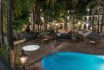 Photo for Vanllee Hotel and Suites in Covina, California