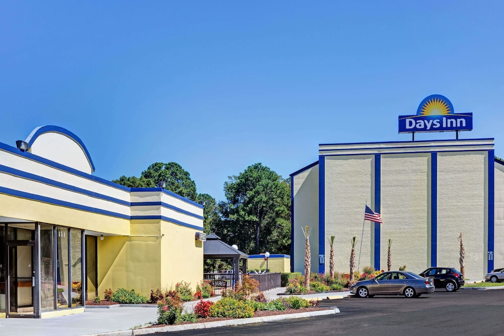 Days Inn by Wyndham Norfolk Military Circle