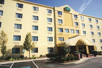 La Quinta Inn Suites Baltimore Bwi Airport