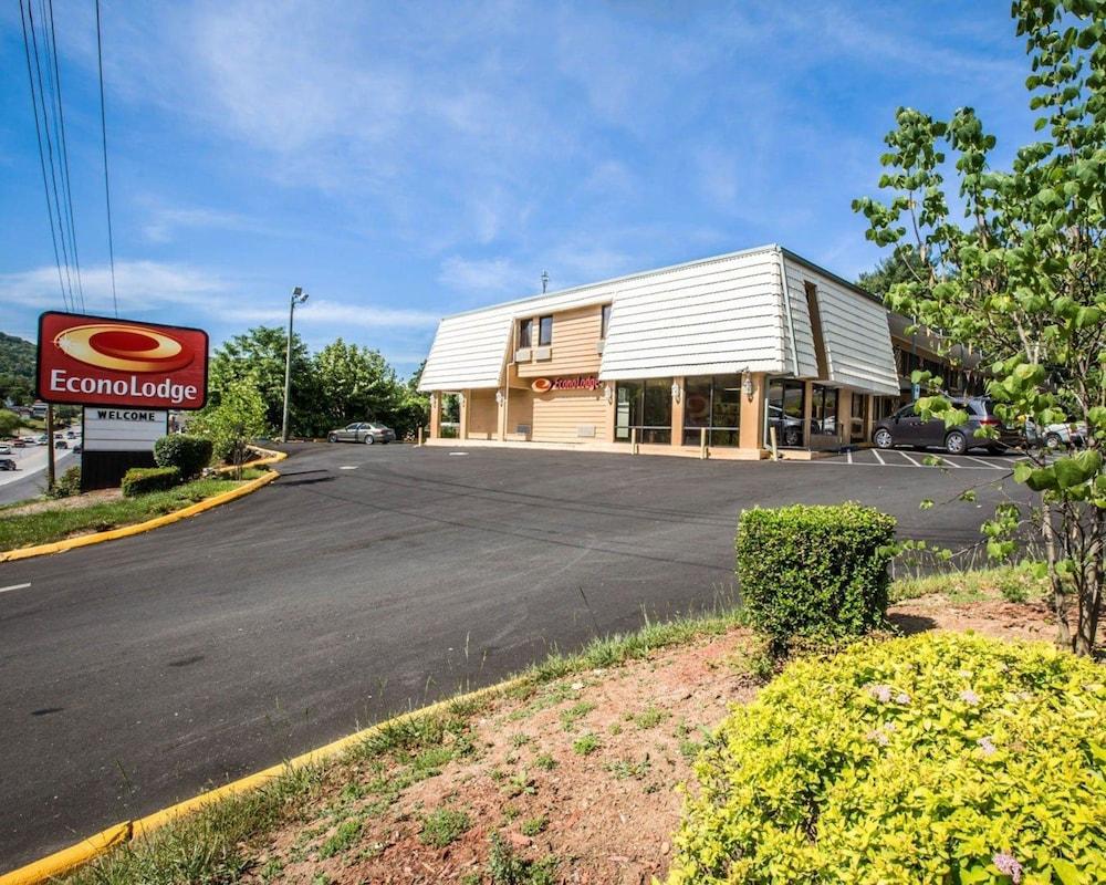 hotels in asheville regional airport asheville 25 off. Black Bedroom Furniture Sets. Home Design Ideas