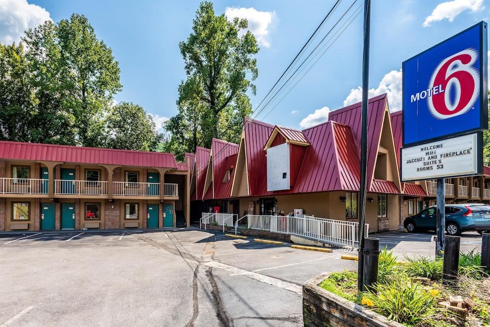 Motel 6 Gatlinburg Smoky Mountains
