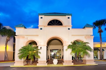Travelodge Inn and Suites Orlando Airport