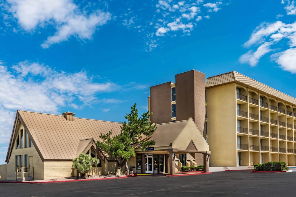 Howard Johnson by Wyndham Albuquerque Midtown