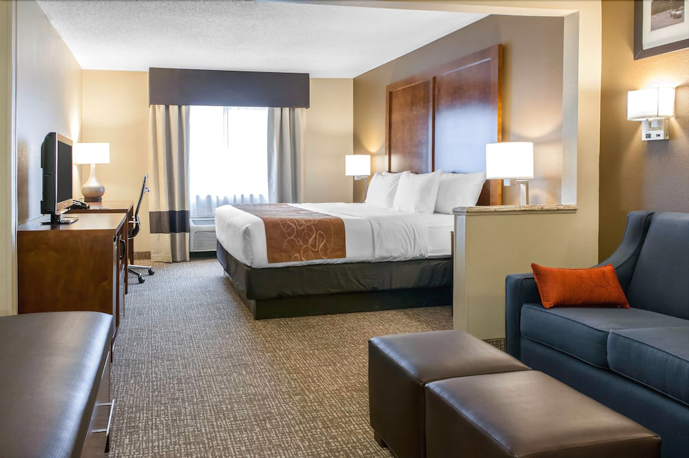 Comfort Inn & Suites Alameda at Albuquerque Balloon Fiesta Park