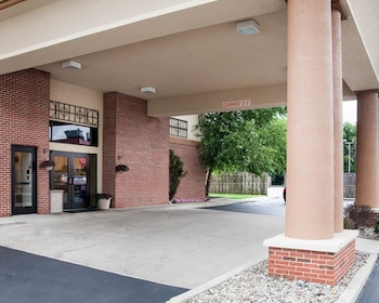 Quality Inn & Suites in Niles, Michigan