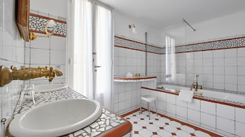 Ermitage Du Riou - Bathroom  - #0