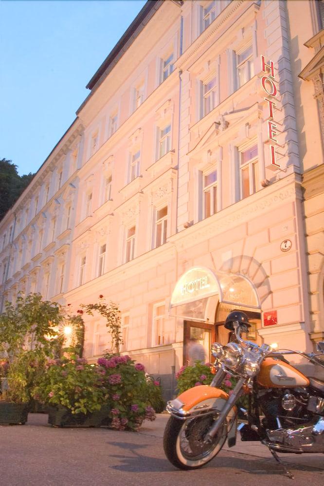 Wolf-Dietrich Altstadthotel & Residenz
