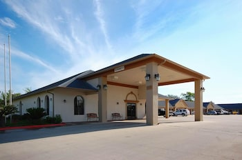 Photo for SureStay Hotel by Best Western Alice in Alice, Texas